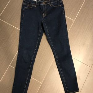 Mossimo darker wash cropped jean